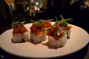 avocado-roll-topped-with-spicy-tun-poke